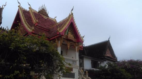 เวียงจันทน์, ลาว: Lao temples are slightly different from others in SE Asia.