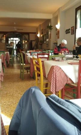 Cisano sul Neva, Италия: 20160212_121359_large.jpg