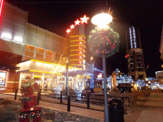 Sparks, NV : Christmas decorations in front of the movie theater on the street of Scheels