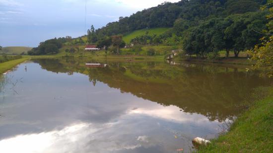 Rio Novo, MG: Um dos lagos, onde pode-se pescar e andar de pedalinho.