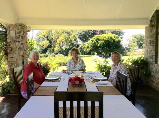 Kirchhayn Bungalow: Dining on the terrace