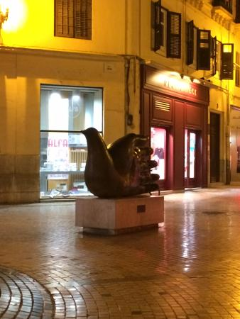 Escultura Ave Quiromántica