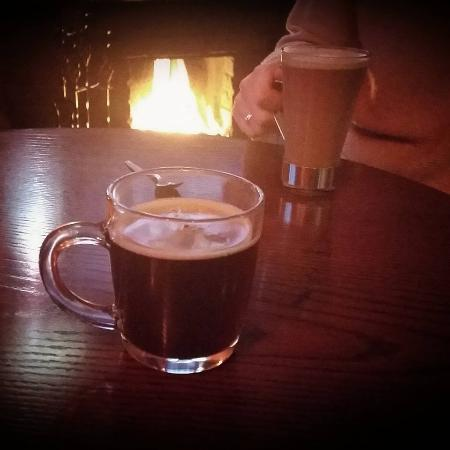 Thirsk, UK: Open fire and hot coffee... A great way to escape the cold weather