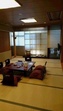 Kazuki / Kaden: 写真の右側にもう一部屋あります。