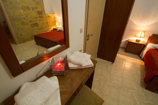 Agarathos : One Bedroom Apartment