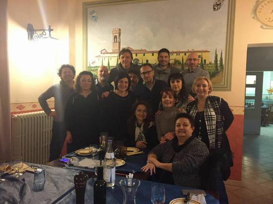 Fucecchio, Italia: tavolata tra amici torrigiani