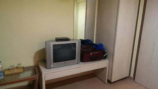 Aditi International Hotel: IMAG0484_large.jpg