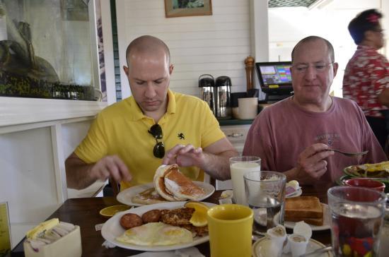 Poipu Tropical Burgers: BIG Breakfast