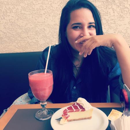 Lauro de Freitas, BA: Cheesecake de goiabada e suco de morango! 🍰🍓