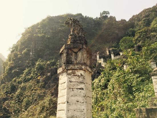 Nui ngoa long - Picture of Mua Caves Ecolodge (Hang Mua