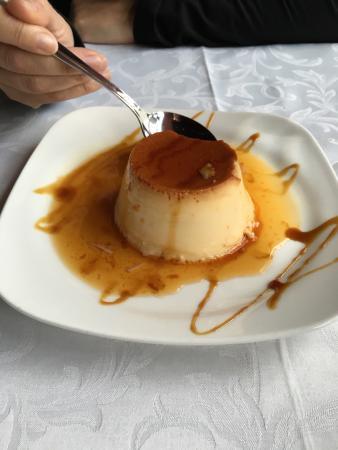 Salardu, İspanya: Flan casero de menú.