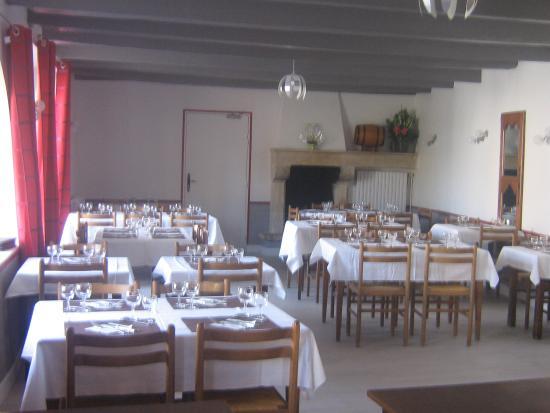 Chenay, Francia: SALLE RESTAURANT