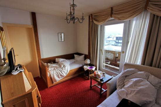 Hotel Alpina: Single room, with additional bed for kid
