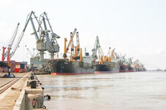 Kutch, Ấn Độ: Kandla port