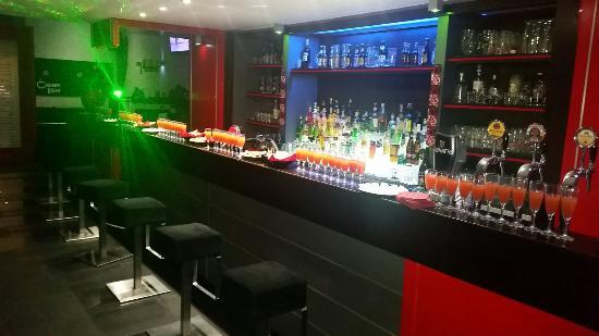 Cherry Light Lounge Pub: Cherry light pub