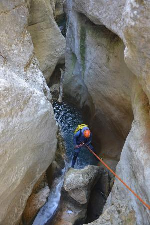Aleu, France: Descente de canyon dans les Pyrénées
