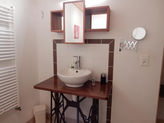Saint-Just-en-Chevalet, Francia: Salle de bain la Mataude
