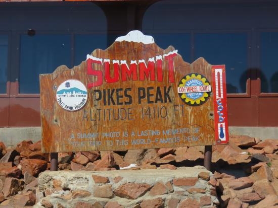 Pikes Peak Cog Railway: Summit