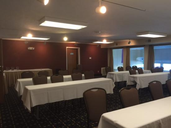 Ramada Springfield North: Newly Remodeled Meeting Space