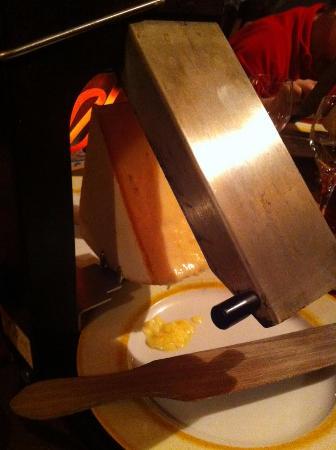 la raclette picture of le poivre d 39 ane barcelonnette tripadvisor. Black Bedroom Furniture Sets. Home Design Ideas