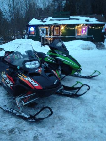 Long Lake, NY: Winter fun at the Growl & Grub
