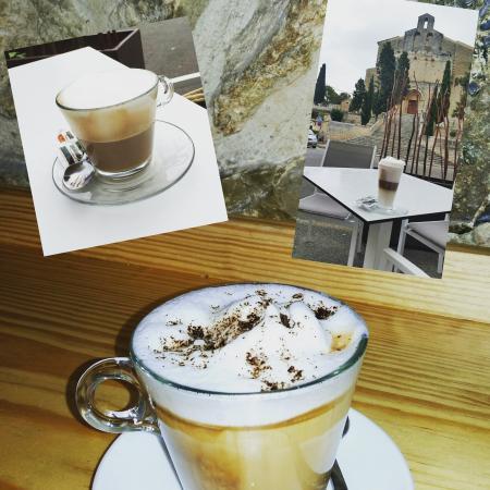 Selva, Hiszpania: Cafes