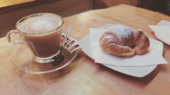 Selva, Hiszpania: Cafe con leche