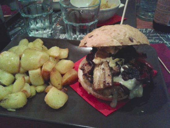 Sasso Marconi, Italia: hamburger vegetariano contadino