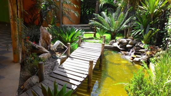 Jaguariuna: pinguela, ao lado dos banheiros
