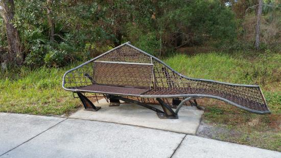 Palm Harbor, FL: Cute benches
