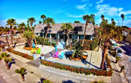 Front of Sabal Palms Inn