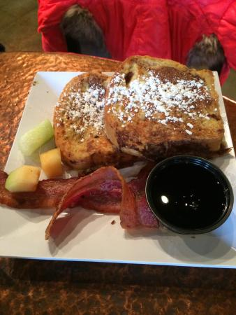 Moses Lake, WA: Kids French toast and the daily grill.