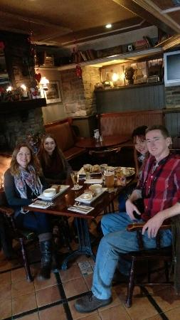 Hannigan's Bar and Restaurant: Hannigan's, a great place to be!