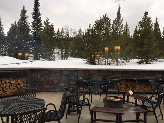 Big Sky, MT: Back by hot tubs and patio