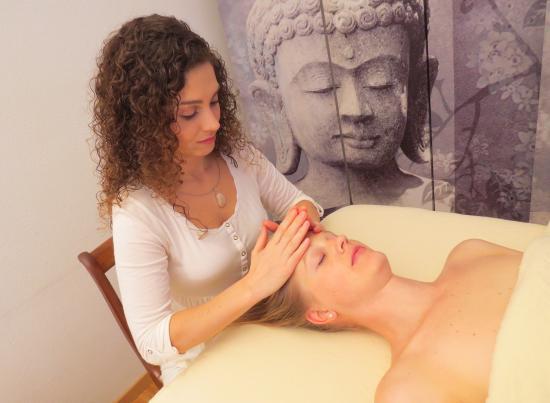 Stäfa, Suiza: Deva Massage Head & Facial