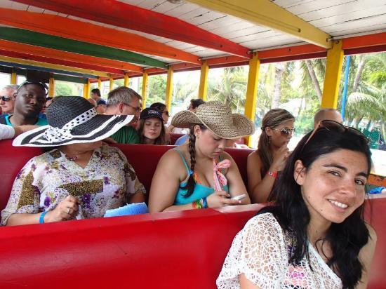 Tourist Train: Yo posando