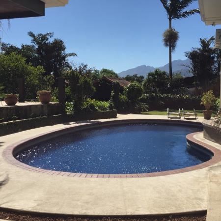 San Antonio De Belen, Costa Rica: Mountain view from the pool!
