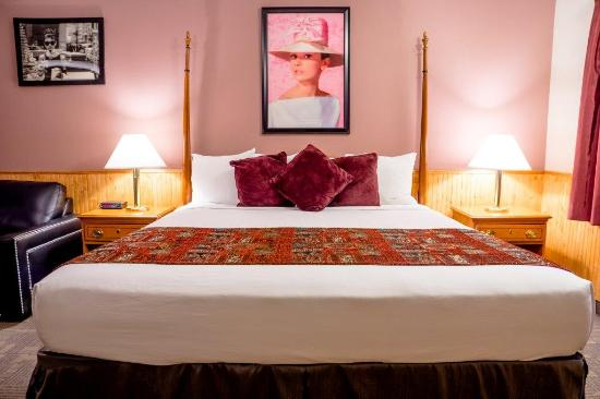 Murphy's Resort at Estes Park : King Standard Room