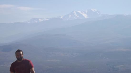 Volcán Domuyo: Con la imponencia del Domuyo de fondo!