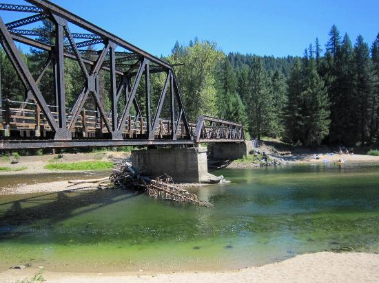 Rock Creek, Canada: Kettle River Trestle and Day-Use Area