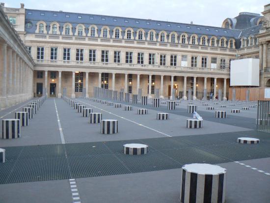 Les Colonnes De Buren Jardin Du Palais Royal Photo De Jardins Du
