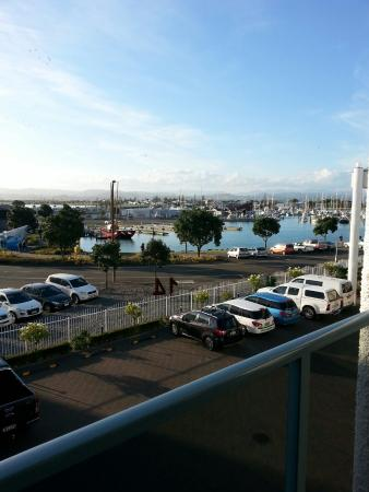 Anchorage Motor Lodge : Looking over Wesy Quay towards the Napier Sailing Club (on the left)