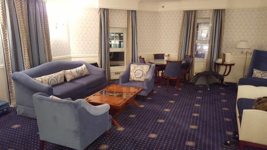 Compass Club Level Rooms Disneyland Paris