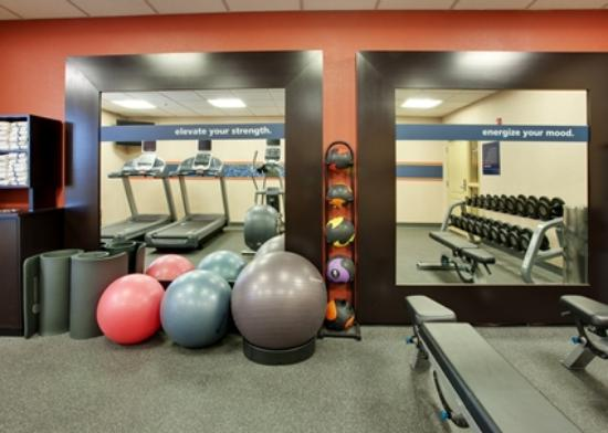 Hampton Inn & Suites Windsor - Sonoma Wine Country: Fitness Room