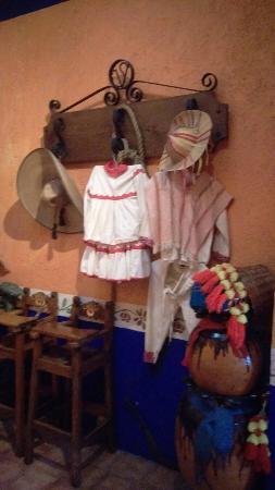 El Meson de Villa Serrano: IMAG0553_large.jpg