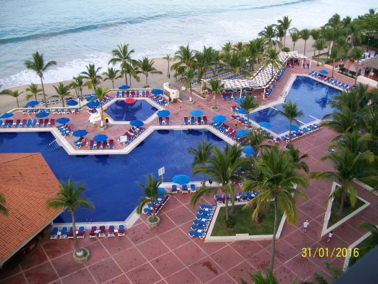 vue de notre balcon 9 i me tages picture of barcelo ixtapa rh tripadvisor com au