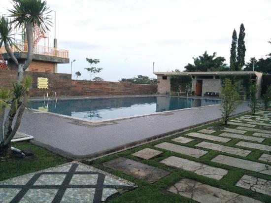 PUNCAK AYANNA HOTEL & RESORT (Trawas, Indonesia) - Review