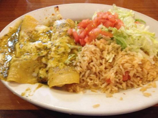 Troy, MI: Enchiladas verdes