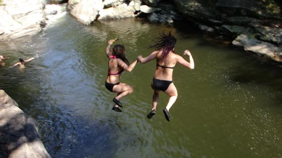 Scranton, PA: Jumping the Cliffs at Nay Aug