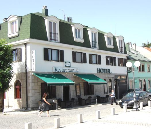 Hotel Brile